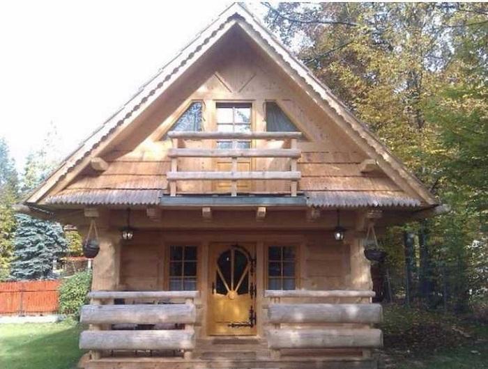 Маленький деревянный домик в Швейцарии