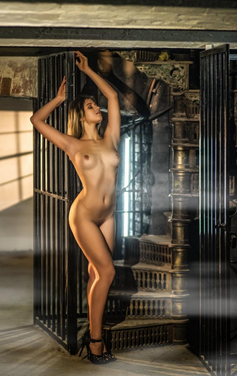 Снимки в жанре «Ню» Сергея Чмыхова фотография