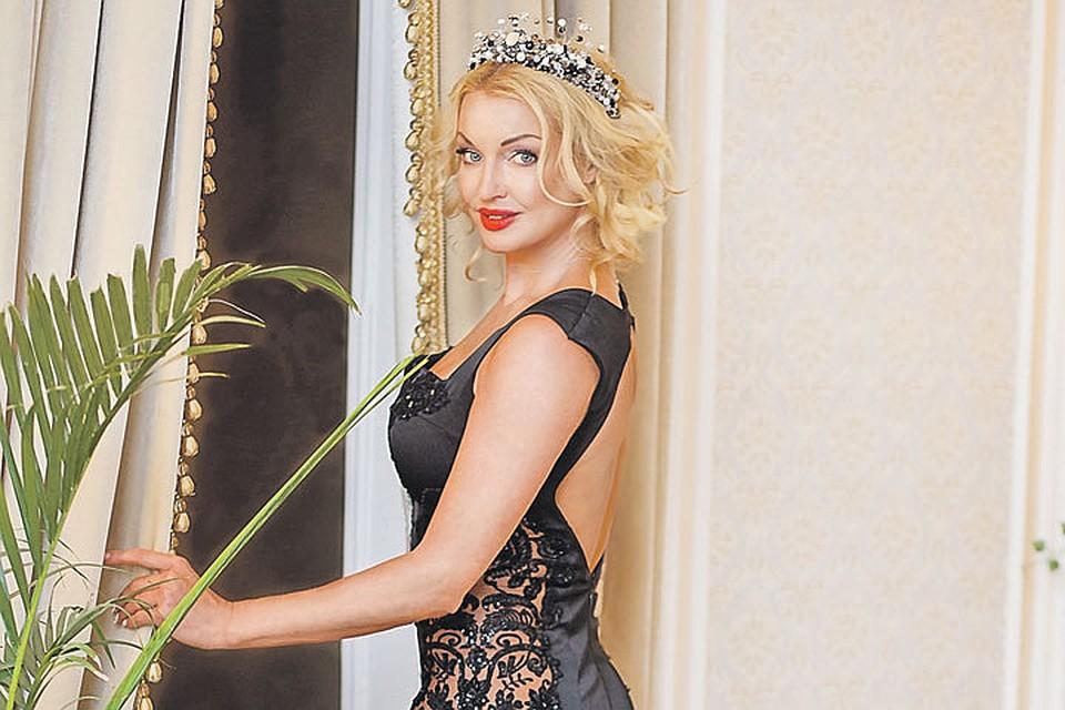 Волочкова: возлюбленный сделал мне предложение и подарил колечко