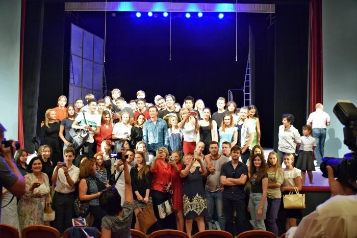 Астраханцы выступали на одной сцене с Сергеем Безруковым.