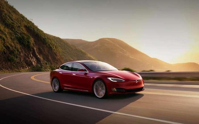 Автомобиль Tesla  Фото: Tesla.com.