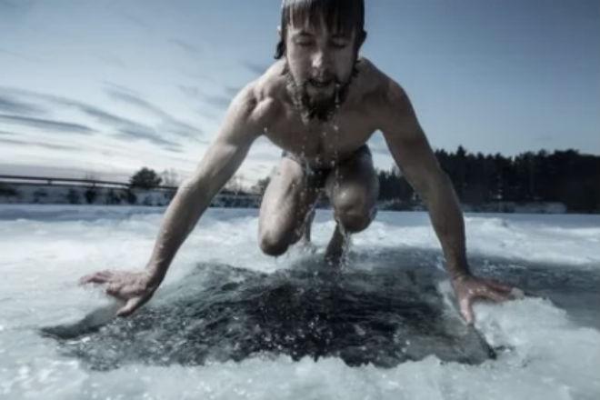 Сколько времени тело человека выдерживает в холодной воде