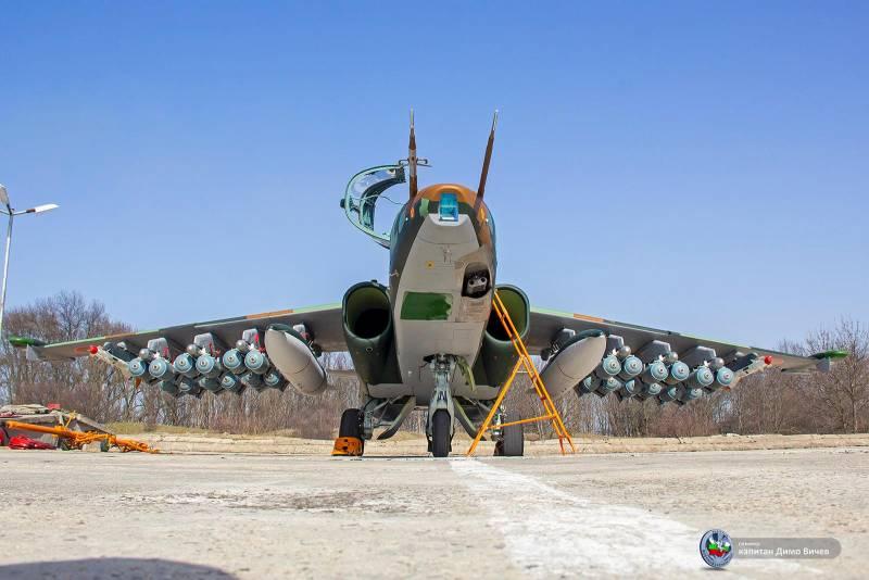 Болгария похвасталась обновленными Су-25 с 24 бомбами на подвесах Техно