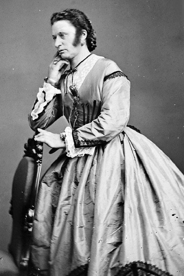 8. Мужчина в женском платье, Англия, 1895 год век, мир, прошлое, снимок, событие, странность, фотография