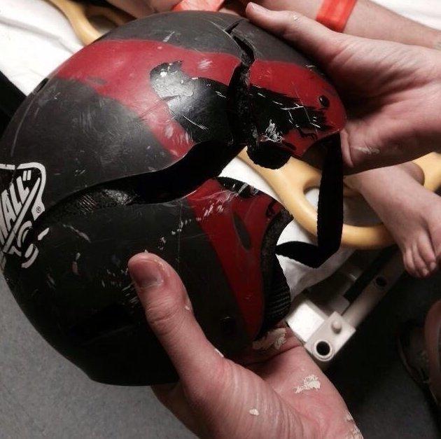 1. Тот случай, когда шлем принял удар на себя безопасность, береги жизнь, велосипедный шлем, каски, опасно, шлемы, экстрим