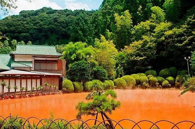 «Кровавый Пруд» в Японии интеренсое, планета земля, туризм
