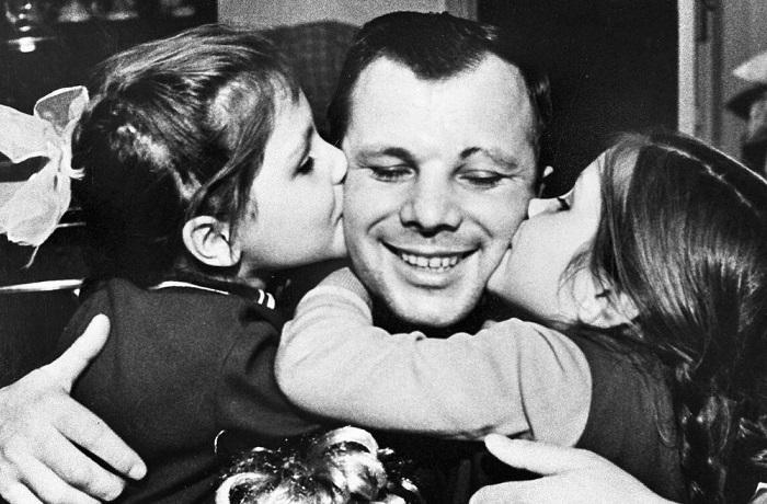 20 фотографий из жизни Юрия Гагарина - первого космонавта планеты Земля