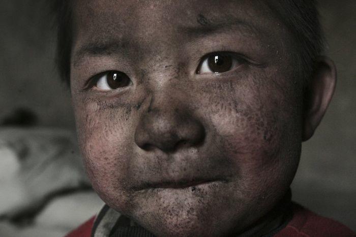 В Китае исчез знаменитый фотограф: 14 его фото, из-за которых это могло произойти китай