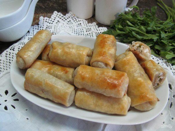 Пирожки из заварного теста с тунцом
