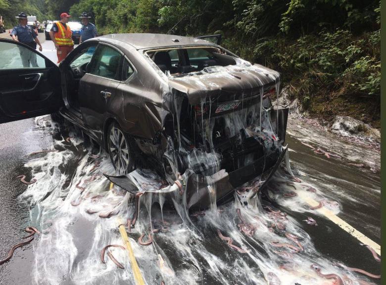 Разлитый груз авария