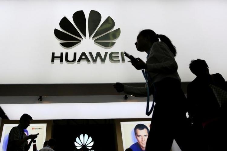 Пользуясь проблемами Huawei, Samsung делает ставку на сетевое оборудование новости