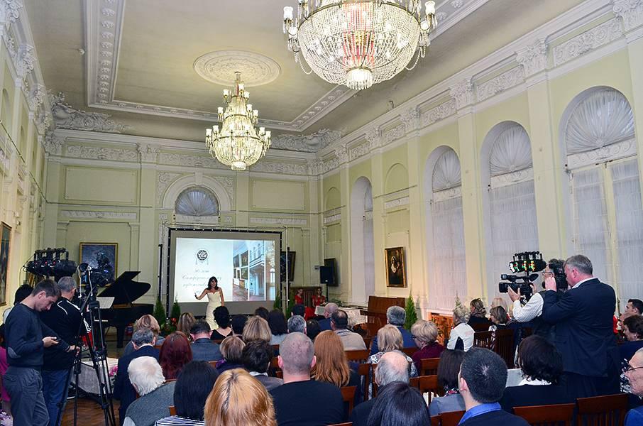 Симферопольский художественный музей отметил 80-летие