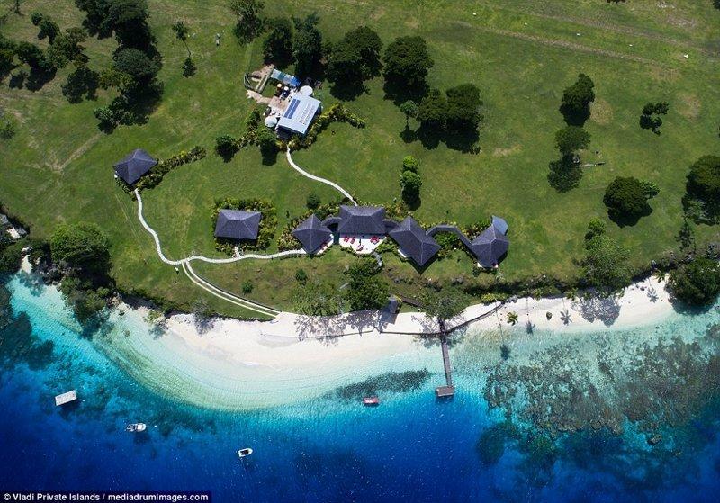 Вид с воздуха на строения ynews, остров, продается, продается остров, рай, райское место, тихий океан, тропический курорт