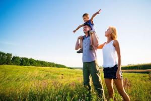 Отношения родителей и детей: проблемы и коррекция