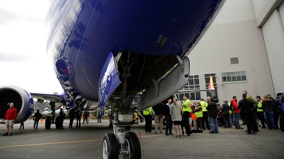 Десятки стран и авиакомпаний временно запретили авиалайнер 737 MAX Авиация