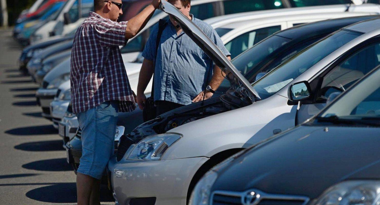 На что россияне обращают внимание при покупке автомобиля с пробегом? Автомобили