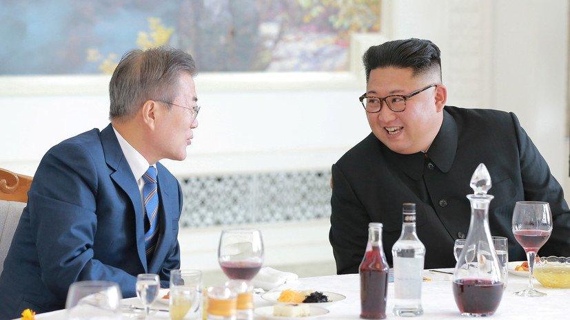 Стало известно, какой подарок Ким Чен Ын подарил лидеру Южной Кореи