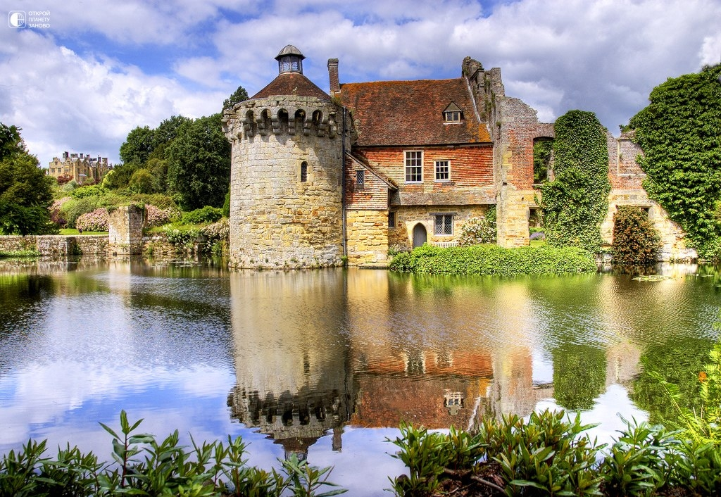 Замок и живописный сад Скотни