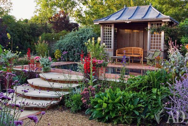 Как обустроить сады и террасы: 27 примеров