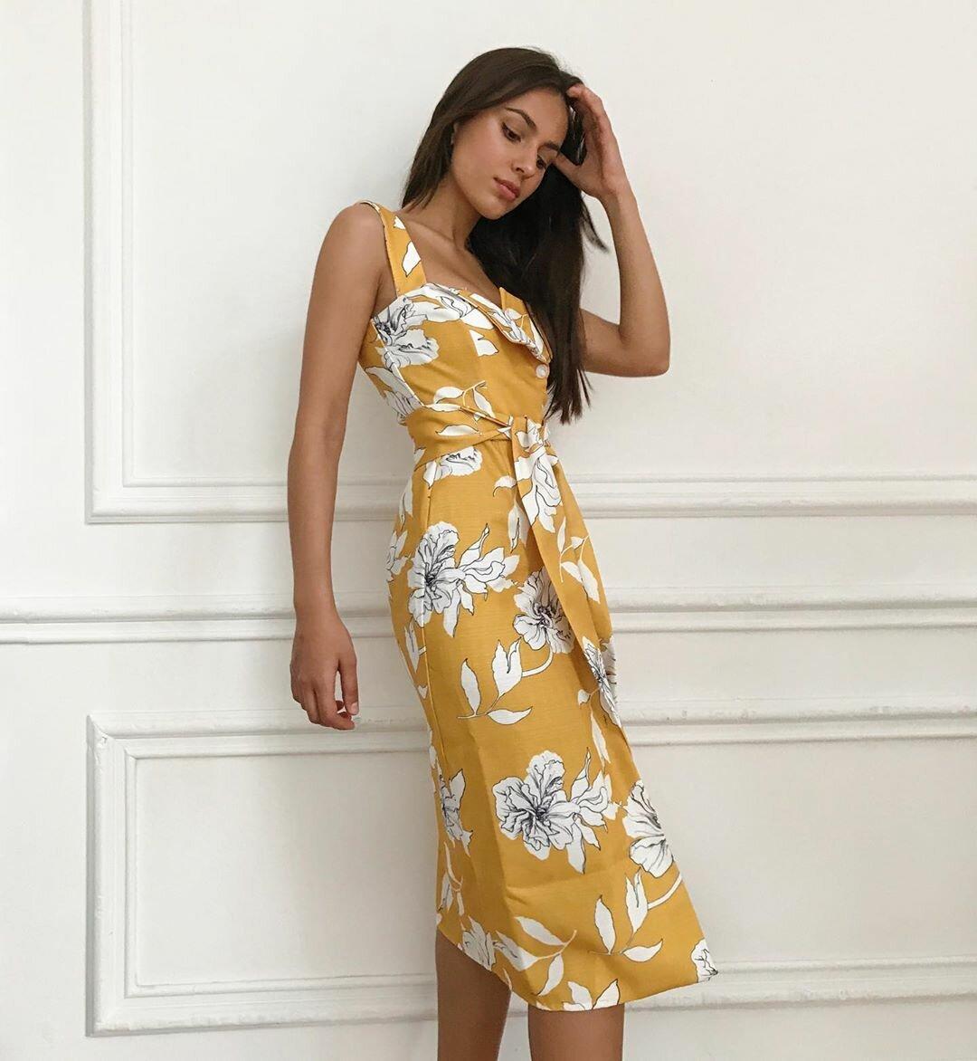 Льняные платья: 13 идей, которые помогут чувствовать себя комфортно в самые жаркие дни