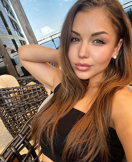Предполагаемая девушка Андрея Аршавина прокомментировала слухи об их романе Звездные пары