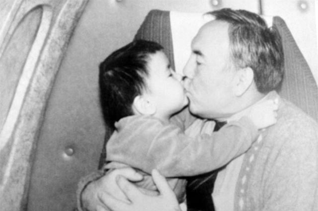В Лондоне умер внук Нурсултана Назарбаева Айсултан Новости