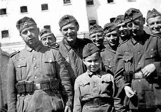 Национальная организация русской молодёжи: как белоэмигранты создали свой «Гитлерюгенд»