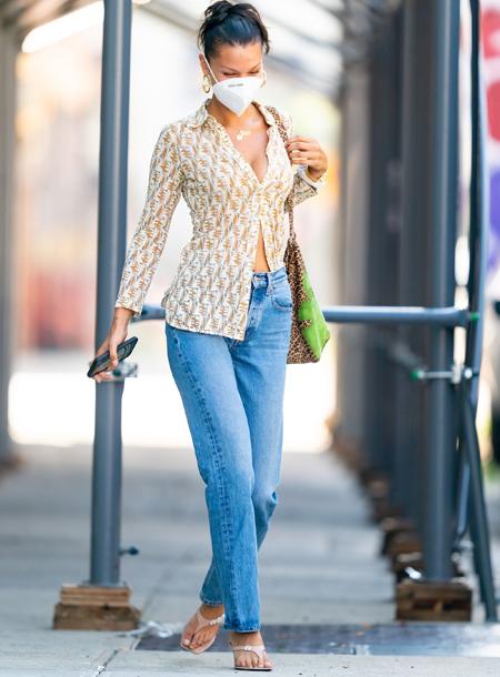 Как сочетать модные тренды в одном образе: мастер-класс от Беллы Хадид Мода,Стиль звезд