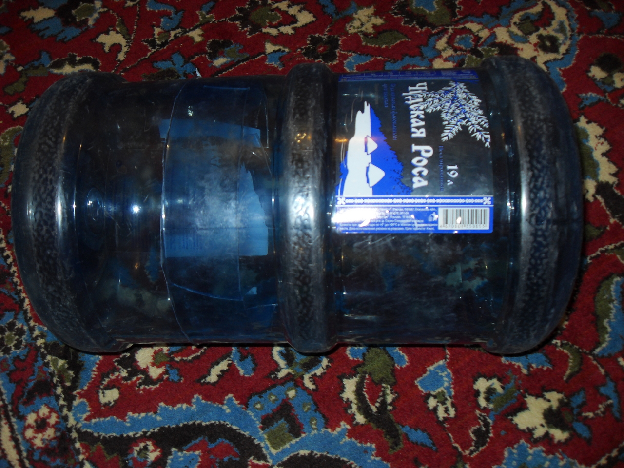 Пуфик из двух 5л-бутылок