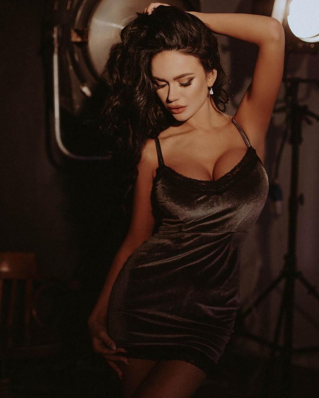 Актриса Яна Кошкина- красотка и её лучшие фотографии