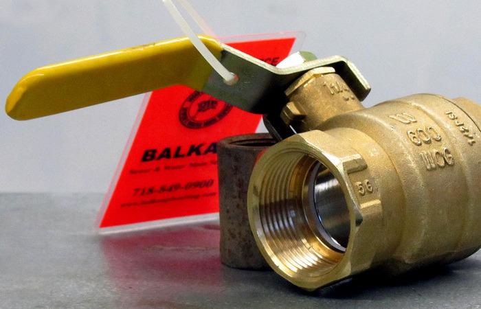 Как врезаться в трубу под давлением для установки шарового крана полезные советы,ремонт и строительство