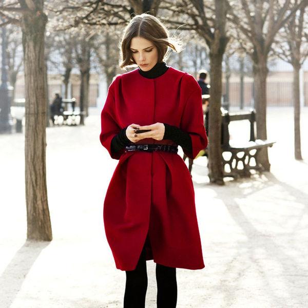 Пальто с укороченными рукавами: как выбрать и с чем носить?