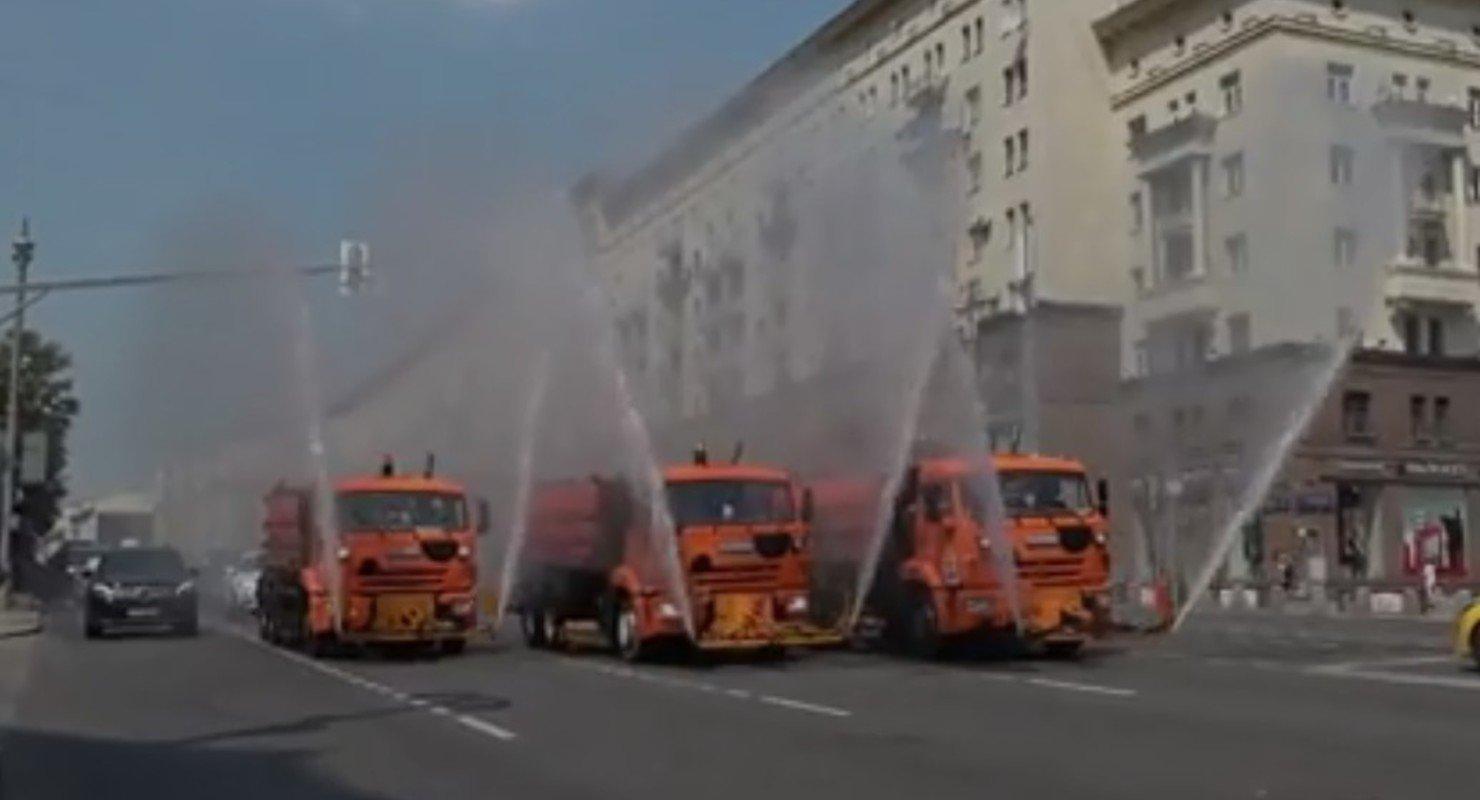 На столичных дорогах снова стали проводить аэрацию воздуха Автомобили