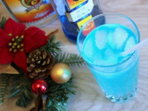 Спиртные напитки. Коктейль «Голубая лагуна»