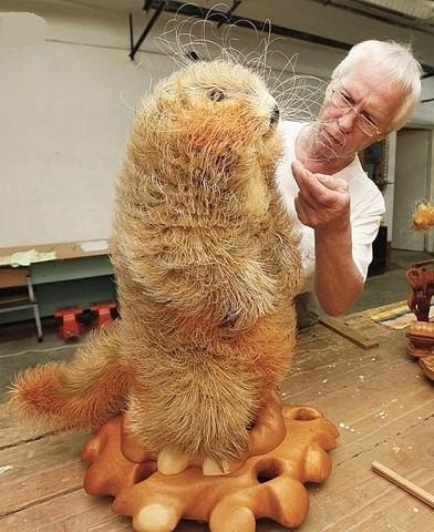 Удивительная скульптура бобр…