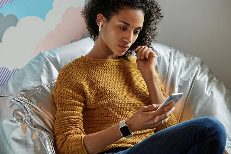 Дебют новых наушников Apple AirPods: улучшенная автономность и дополнительные функции новости