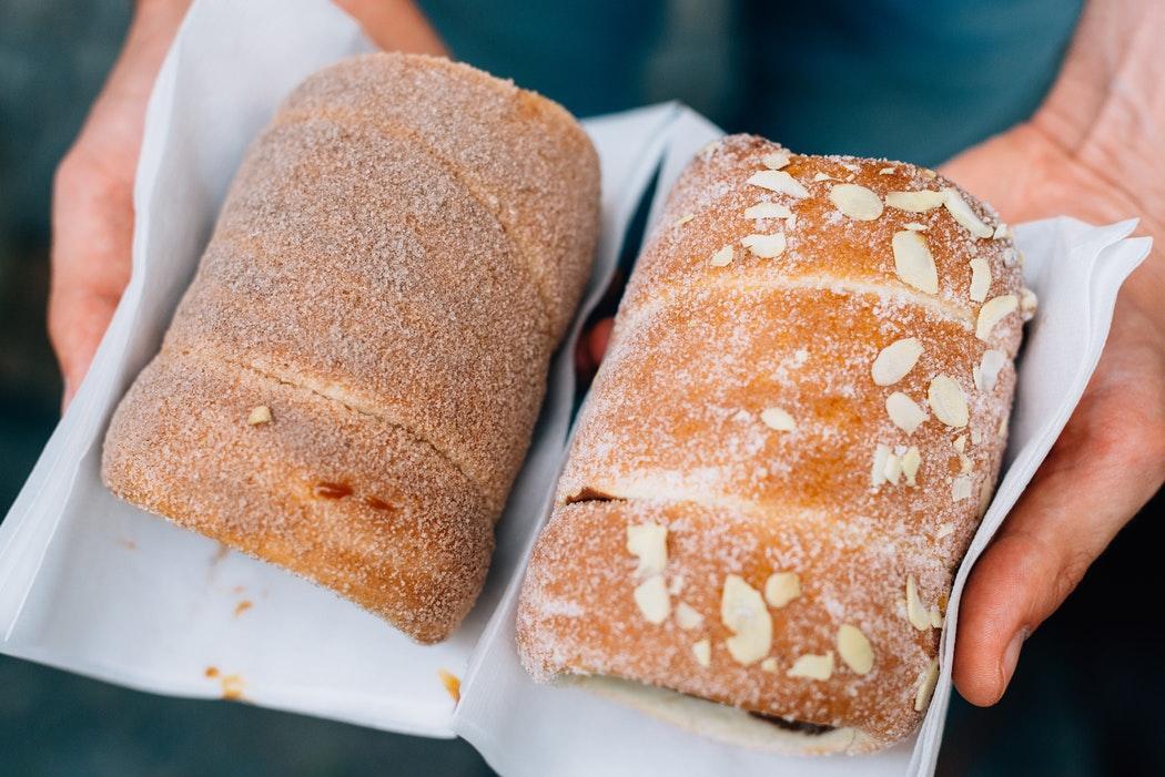 Три просотых способа, как сделать черствый хлеб снова мягким