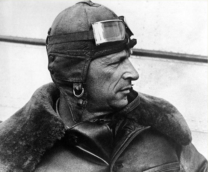 Образец эталонного героя СССР – смелого, сильного, умного и честного