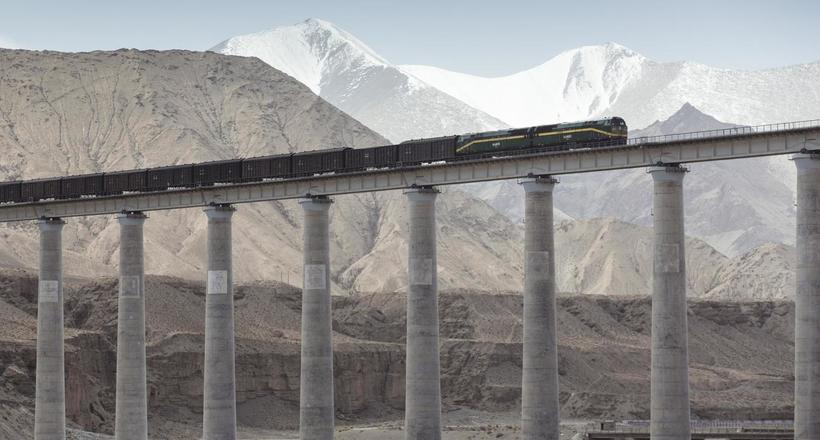 Видео: Как китайцы построили самую сложную железную дорогу в мире