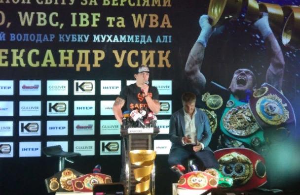 Украинский боксер Усик обосновал российский статус Крыма Божьей волей