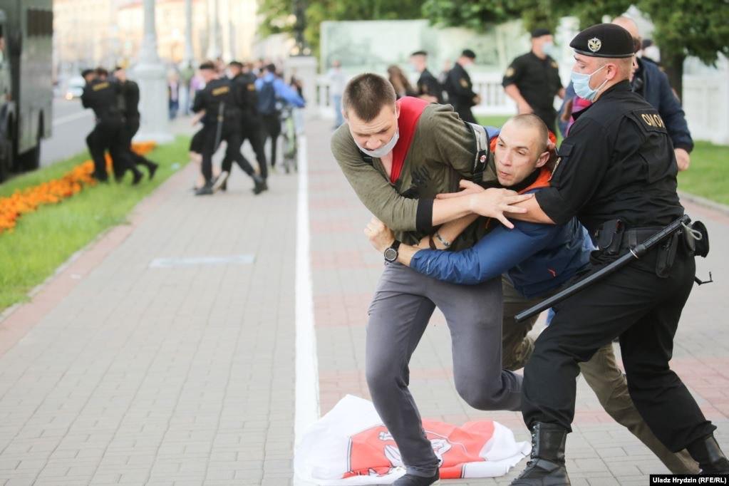 Минский «майдан» отпинали и разогнали