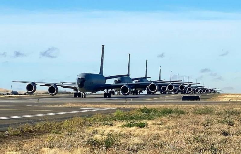 ВВС США отработали вывод авиации из-под ядерного удара Новости