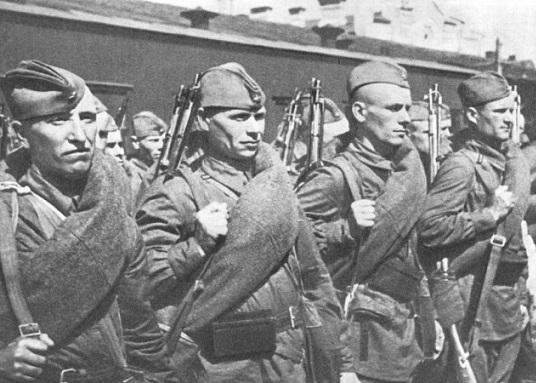 Царская армия или советские войска: кто успешней воевал с немцами?