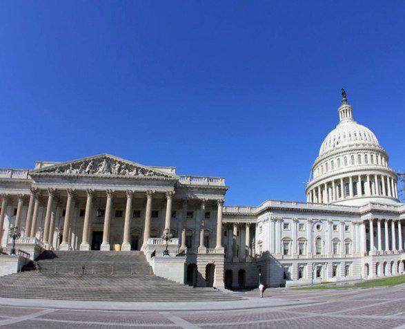 Демократы США заблокировали работу федерального правительства