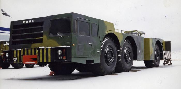 Рекордсменом среди подобной техники советского периода без сомнения был МоАЗ-7915. | Фото: shymkent.kz