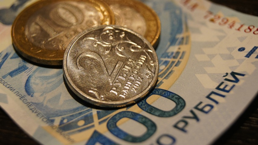Прогноз: рубль отметит маленькую дедолларизационную сенсацию