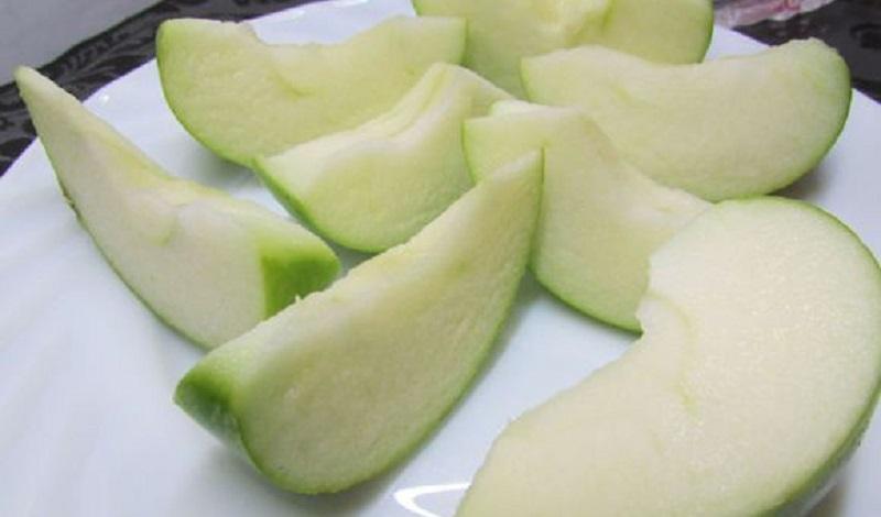 резать яблоки