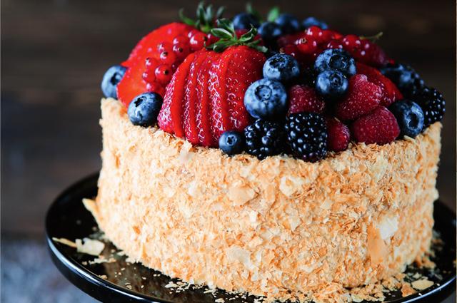 «Наполеон» по-бабушкиному: 3 надежных рецепта для праздничного торта
