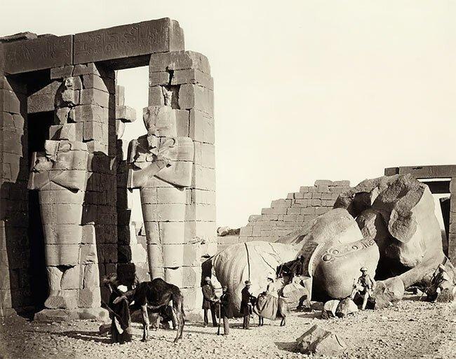 Рамессеум (поминальный храм), город Фивы, Греция, 1857 год интересно, исторические кадры, исторические фото, история, ретро фото, старые фото, фото