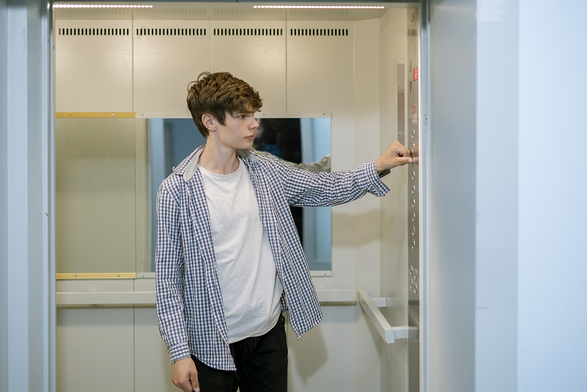 7 поводов радоваться отключению лифта